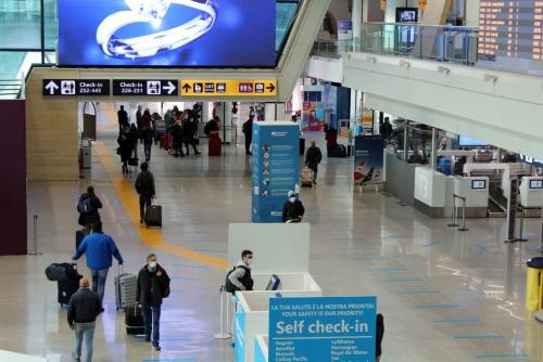 ▲19일(현지시간) 이탈리아 로마 피우미치노 국제공항이 한산하다. 로마/EPA연합뉴스
