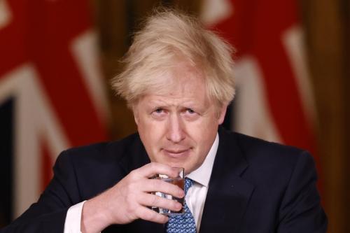 ▲보리스 존슨 영국 총리가 21일(현지시간) 총리 관저에서 언론 브리핑을 하고 있다. 런던/AP연합뉴스