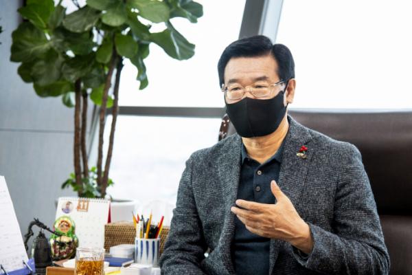 ▲성장현 용산구청장이 3일 이투데이를 만나 인터뷰를 했다. 그는 용산이 자신의 제2의 고향이라고 강조했다. (사진제공=용산구)
