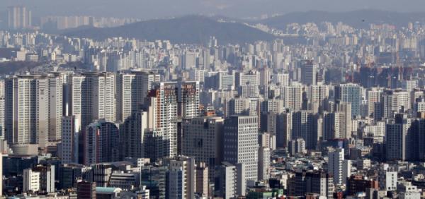 ▲서울 남산에서 바라본 강북지역 아파트 단지들 .  (연합뉴스)