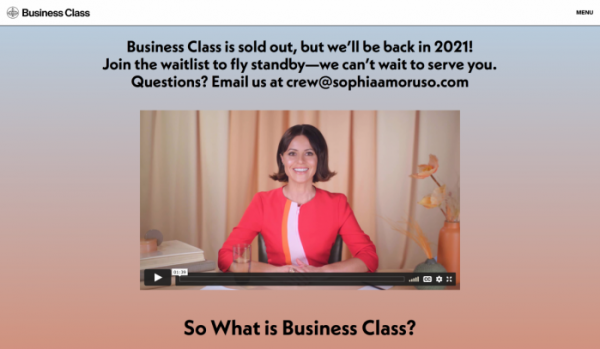 """▲소피아 아모루소 홈페이지의 비즈니스 클래스 소개 영상. 그는 비즈니스 클래스를 """"진지한 창업자들을 위한 종합 온라인 코스""""라고 말한다. (출처=소피아 아모루소 홈페이지 캡처)"""