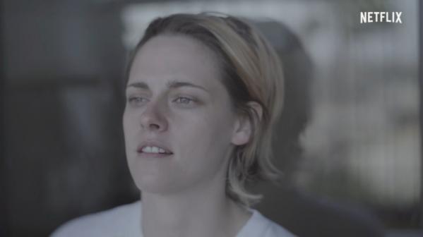 ▲배우 크리스틴 스튜어트가 직접 출연하고 연출한 '신경 쇠약'의 한 장면. 낮에도 밤에도 쉽게 잠들지 못하는 불면증을 감각적으로 담았다. (출처=넷플릭스 유튜브 캡처)