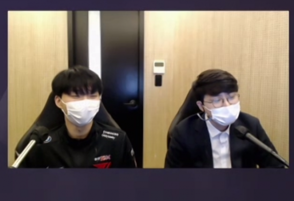 ▲'2021 LCK 스프링 미디어데이'에 참석한 T1 칸나(왼쪽) 선수와 양대인 감독이다. (사진=줌(ZOOM) 화면 캡쳐)