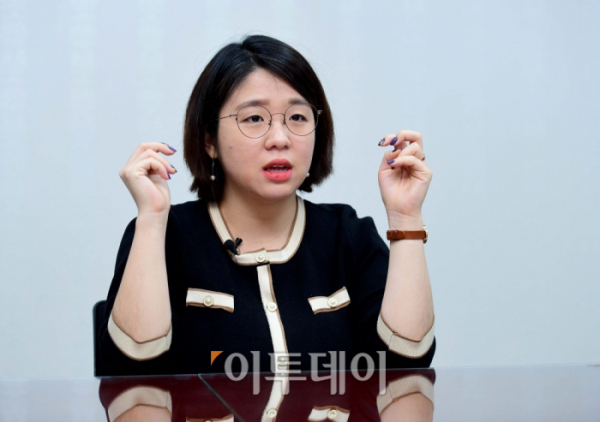 ▲재난지원금을 전 국민에게 지급하자는 주장이 '매표 행위' 혹은 '포퓰리즘 정책'이라는 국민의힘 등 일각의 주장을 두고 용혜인 의원은 '안타깝고 비극적'이라고 표현했다. (신태현 기자 holjjak@)