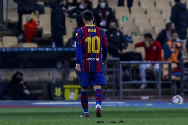 ▲18일 리오넬 메시가 FC바르셀로나 데뷔 후 753경기 만에 첫 '레드카드'를 받고 퇴장을 당했다. (AP/뉴시스)