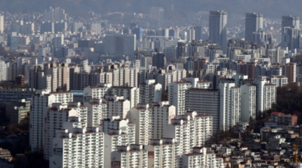▲서울 남산에서 바라본 강북지역 일대 아파트 밀집지역. (사진 제공=연합뉴스 )