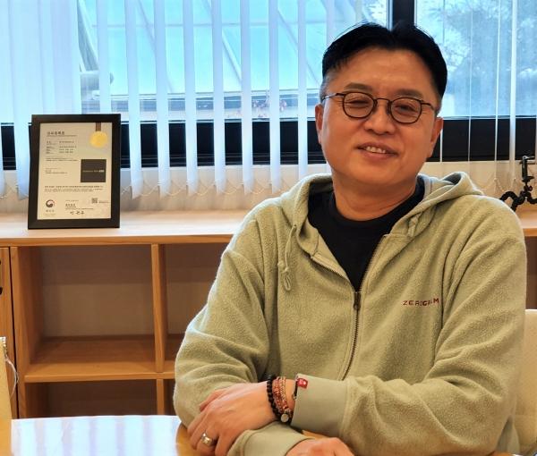 ▲지난달 13일 서울 용산구 이태원에 소재한 젠티움파트너스에서 박현준 대표가 이투데이와 인터뷰를 진행하고 있다.