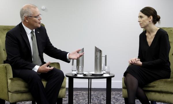 ▲2019년 3월 29일(현지시간) 스콧 모리슨 호주 총리(왼쪽)와 저신다 아던 뉴질랜드 총리가 뉴질랜드에서 회담을 갖고 있다. 크라이스트처치/AP뉴시스