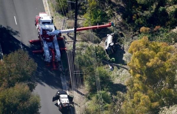 ▲타이거 우즈가 운전한 제네시스 GV80가 도로 밖으로 10m 아래로 굴러 떨어졌다. (AP/뉴시스)