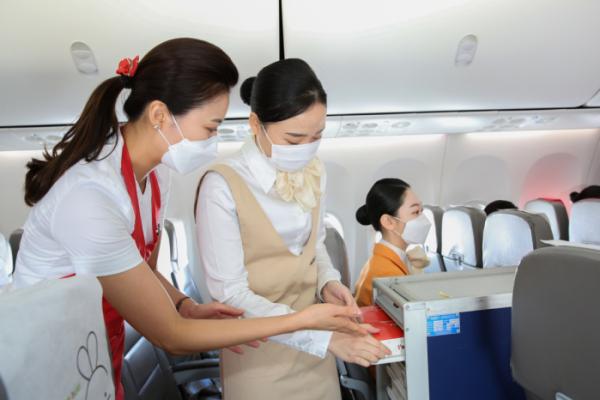 ▲티웨이항공이 객실승무원 체험 프로그램 '티웨이 크루 클래스' 사이트를 오픈한다.  (사진제공=티웨이항공)