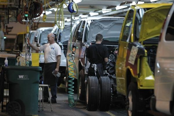 ▲미국 미주리주 웬츠빌의 GM 공장에서 노동자들이 차량 부품을 조립하고 있는 모습. 웬츠빌/AP뉴시스