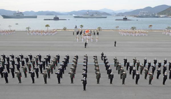 ▲지난해 11월 해군사관학교 연병장에서 열린 제129기 해군·해병대 학사사관 임관식이 열렸다. (뉴시스)