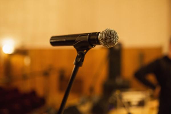▲대중 음악 업계는 '언택트' 비대면 공연이 인프라 구축 및 기타 비용 때문에 수익 모델로 부적합하다고 말했다. (게티이미지뱅크)