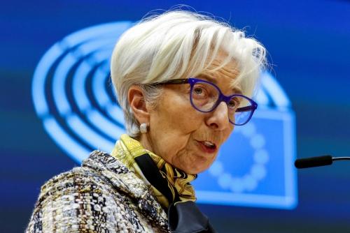 ▲크리스틴 라가르드 유럽중앙은행(ECB) 총재가 2월 8일(현지시간) 유럽 의회에서 연설하고 있다. 브뤼셀/로이터연합뉴스