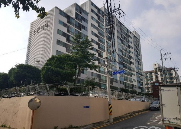 ▲경기 의왕시 삼동 121-6 운양까치 아파트. (사진 제공=지지옥션)