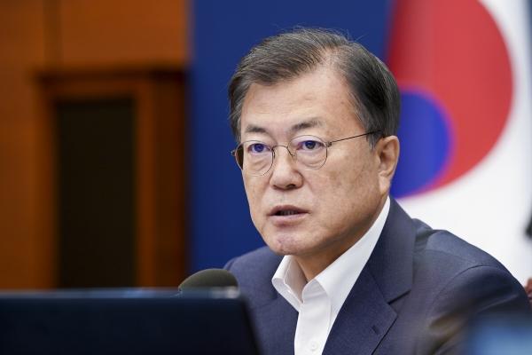 ▲문재인 대통령이 5일 청와대에서 열린 수석·보좌관 회의에서 발언하고 있다. 연합뉴스