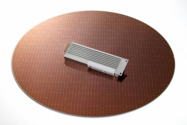 ▲이번에 양산을 시작하는 SK하이닉스 기업용 SSD PE8110 E1.S (사진제공=SK하이닉스)