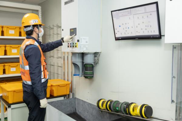 ▲포스코케미칼 양극재 광양공장 샘플 에어슈팅 스테이션  (사진제공=포스코케미칼)