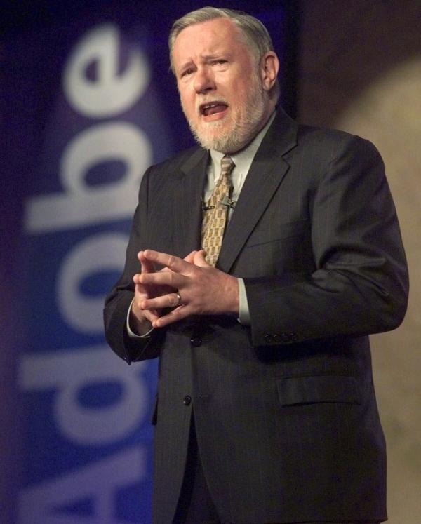 ▲1999년 6월 24일(현지시간) 찰스 게쉬케 어도비 창립자가 뉴욕에서 열린 PC엑스포에 참석해 연설하고 있다. 뉴욕/AP뉴시스