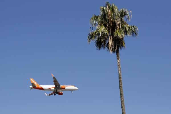 ▲2019년 8월 21일(현지시간) 포르투갈 리스본 공항에서 여객기가 이륙하고 있다. 리스본/AP연합뉴스