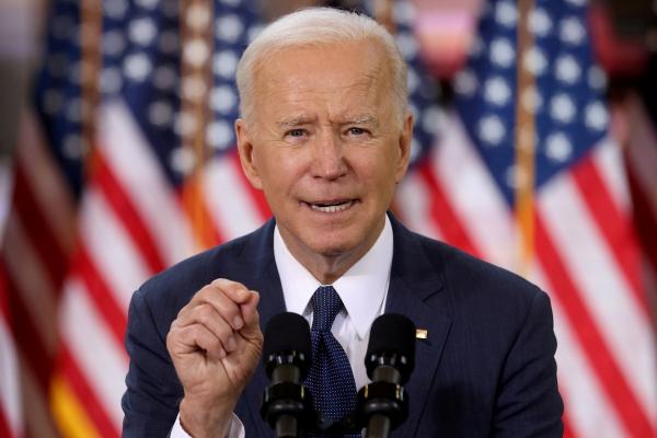 ▲조 바이든 미국 대통령이 지난달 31일(현지시간) 미국 펜실베이니아주 피츠버그에서 인프라 투자 계획을 발표하고 있다. 피츠버그/로이터연합뉴스