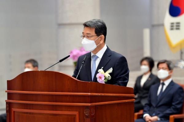 ▲박상옥 대법관이 7일 대법원에서 열린 퇴임식에서 퇴임 인사를 하고 있다.  (사진제공=대법원)