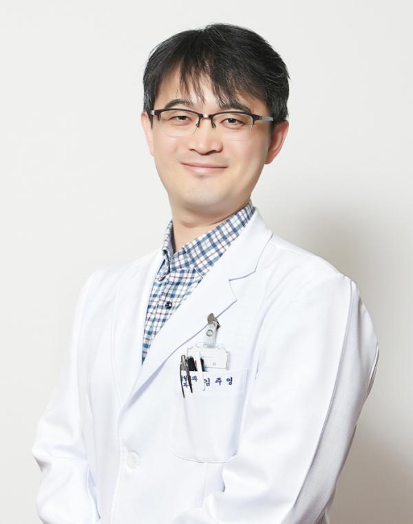 ▲김주영 정형1과 진료원장 (사진제공=이춘택병원)