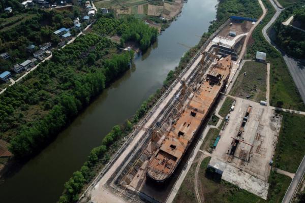 ▲중국 쓰촨성에 건설 중인 타이타닉호 복제품 모습. (AFP/연합뉴스)