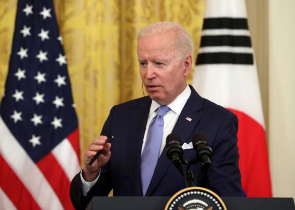 ▲조 바이든 미국 대통령이 21일 오후(현지시간) 한ㆍ미 정상회담을 마치고 백악관 이스트룸에서 열린 공동기자회견에서 발언하고 있다.  (연합뉴스)