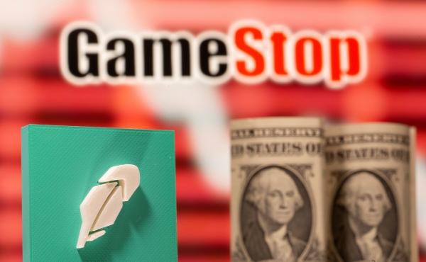 ▲게임스톱 로고 앞에 달러와 로빈후드 로고가 보인다. 로이터연합뉴스