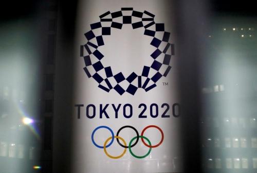▲도쿄올림픽 로고와 올림픽 상징 오륜기가 보인다.  (로이터연합뉴스)