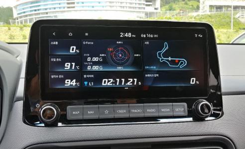 ▲N 맞춤형 인포테인먼트 기능도 인상적이다. 인제 스피디움 서킷 지도가 등장하고 운전자의 위치도 표시된다.  (유창욱 기자 woogi@)