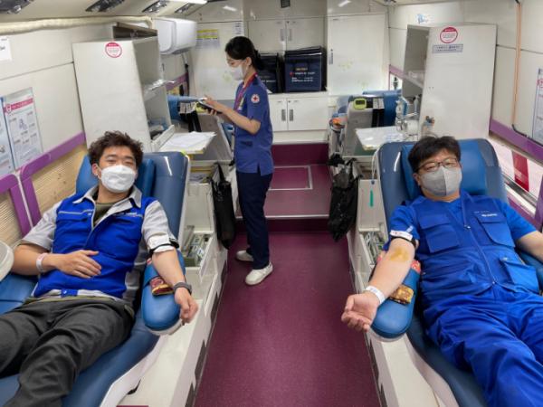 ▲넥센타이어, 창녕 공장 임직원 '사랑의 헌혈 캠페인' 동참  (사진제공=넥센타이어)