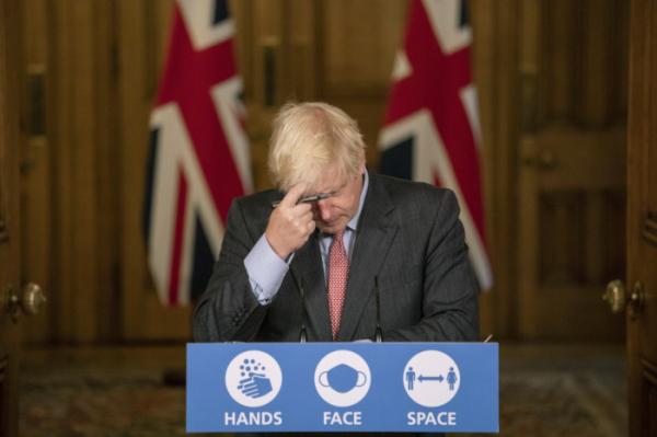 ▲보리스 존슨 영국 총리가 2020년 9월 30일(현지시간) 런던 총리 관저에서 신종 코로나바이러스 감염증(코로나19) 관련 브리핑을 하고 있다. 영국은 오는 21일봉쇄 전면 해제에 나설 예정이었으나 최근 변이 바이러스 확산에 해제 조치가 연기될 것이란 전망에 힘이 실리고 있다. 런던/AP뉴시스