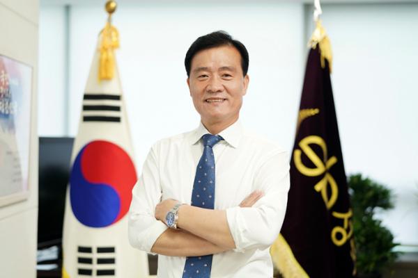 """▲이승로 성북구청장은 """"한국예술종합학교 이전은 지역경제에 막대한 경제적 손실을 가져올 것""""이라고 지적했다.  (사진제공=성북구)"""