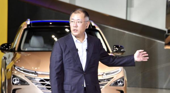 ▲정의선 현대차그룹 회장은 앞서 자동차 사업이 50%, 개인용 비행체 30%, 로봇 사업이 20%에 달할 것이라고 공언한 바 있다.  (사진제공=현대차그룹)