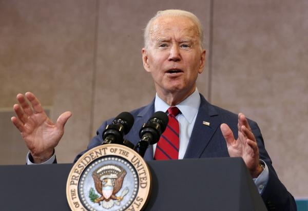 ▲조 바이든 미국 대통령이 24일(현지시간) 미국 노스캐롤라이나 롤리의 그린로드 주민센터에서 연설을 하고 있다. 롤리/로이터연합뉴스