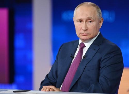▲블라디미르 푸틴 러시아 대통령이 6월 30일(현지시간) 연례 행사인 '국민과의 대화'에서 질문을 듣고 있다. 모스코바/타스연합뉴스