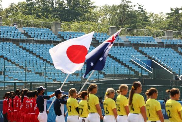 ▲일본 후쿠시마 아즈마 베이스볼 스타디움에서 21일 일본과 뉴질랜드 소프트볼 개막전이 열렸다. 후쿠시마/로이터연합뉴스