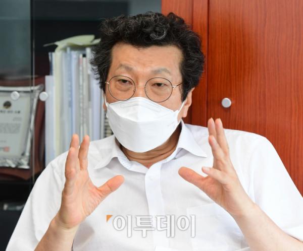 ▲강영권 에디슨모터스 회장.  고이란 기자 photoeran@