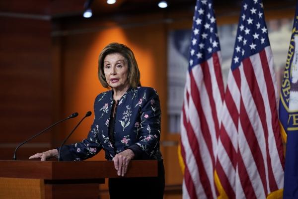 ▲22일(현지시간) 낸시 펠로시 미국 하원의장이 워싱턴 의사당에서 발언하고 있다. 워싱턴/AP연합뉴스
