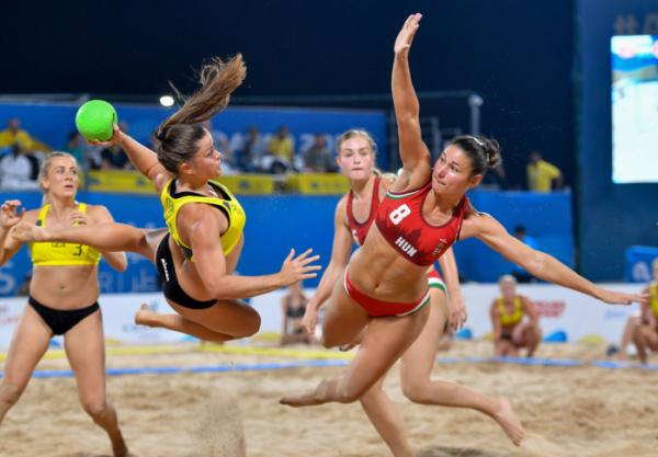 ▲2019년 도하에서 열린 세계 비치게임 여자 비치핸드볼 헝가리와 덴마크의 결승전  (신화/뉴시스)