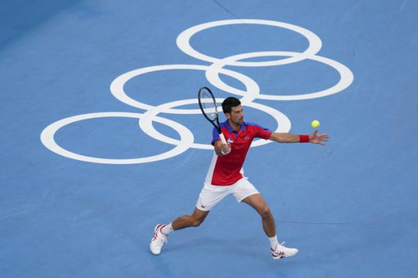 ▲30일 열린 2020 도쿄올림픽 남자 테니스 준결승전에서 노박 조코비치가 독일의 알렉산더 즈베레프에게 역전패했다. (도쿄(일본)=AP/뉴시스)