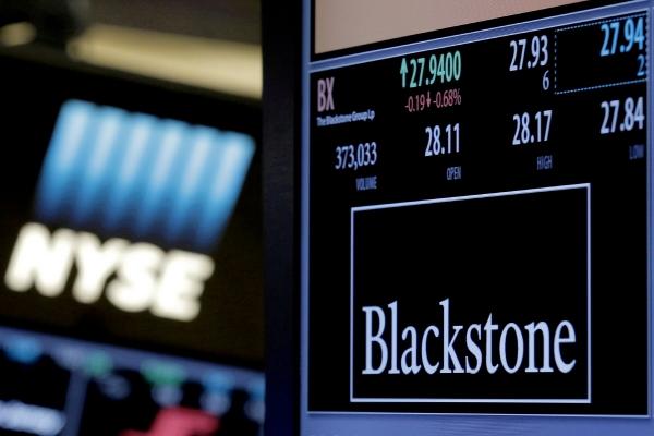 ▲2016년 4월 4일 미국 뉴욕증권거래소(NYSE)에 블랙스톤의 증권 시세 표시기와 거래 정보가 표시되고 있다. 뉴욕/로이터연합뉴스