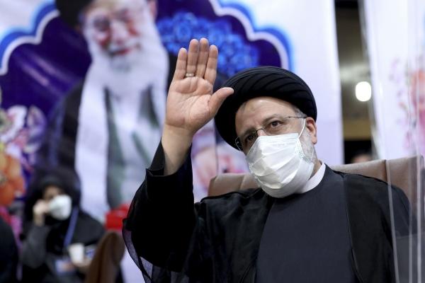 ▲세예드 에브라힘 라이시 이란 대통령이 5월 15일 테헤란에서 기자회견을 하고 있다. 테헤란/AP연합뉴스