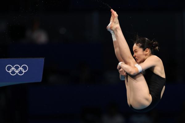 ▲2020 도쿄올림픽 다이빙 여자 10m 플랫폼 예선에 출전한 권하림의 오른쪽 발목에 테이핑이 감겨있다. (연합뉴스)