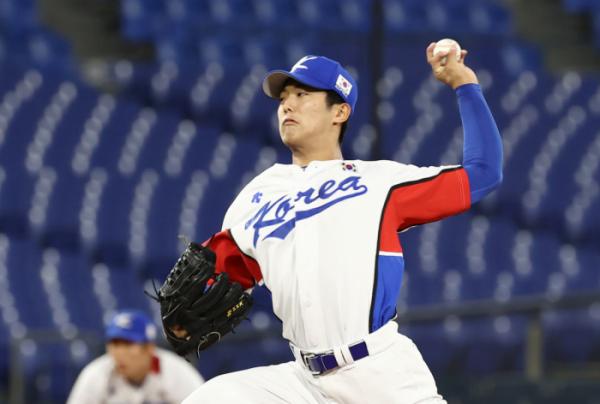 ▲1일 일본 요코하마 스타디움에서 열린 도쿄올림픽 야구 도미니카전에 선발 투수로 나선 이의리가 공을 던지고 있다. (연합뉴스)