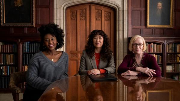 ▲흑인 여성 교수인 야즈와 아시아계 최초 여성 학장 지윤, 해고 위기를 맞은 여성 교수 조앤은 서로 갈등하면서도 연대한다.  (넷플릭스)