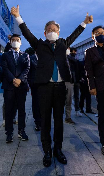 ▲이재명 경기도지사가 26일 전북 완주군 우석대에서 열린 전북 합동연설회에 참석했다. (이재명 캠프 제공)