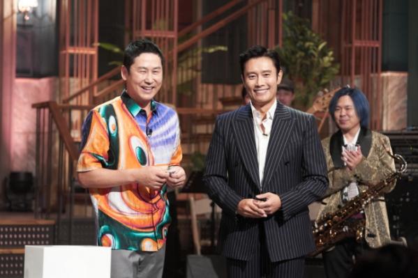 ▲4일 공개된 쿠팡플레이의 오리지널 코미디쇼 'SNL코리아' 1회에 이병헌이 호스트로 나섰다. (사진=쿠팡플레이)